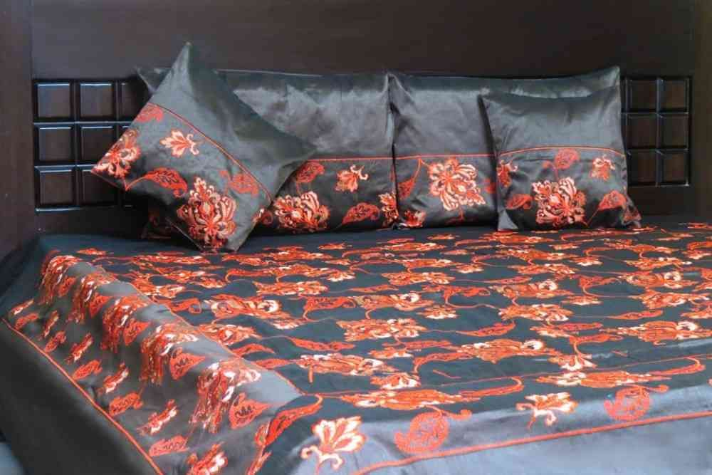 Beautiful Black 5 Piece Silk Bedcover Set