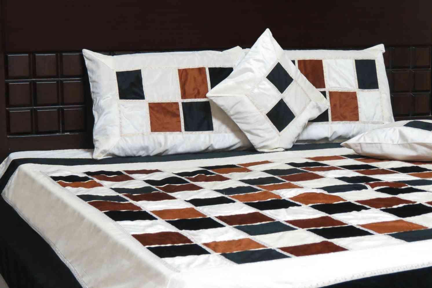 Beautiful Black Cream Brown 5 Piece Bedcover