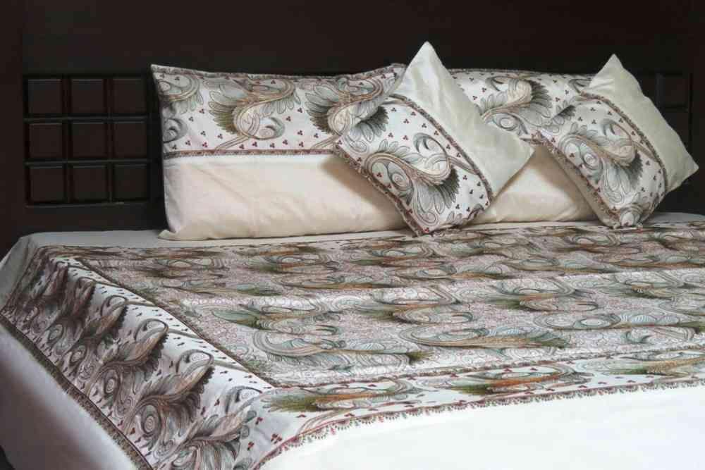 Beautiful Embroidered Cream 5 Piece Silk Bedspread Set