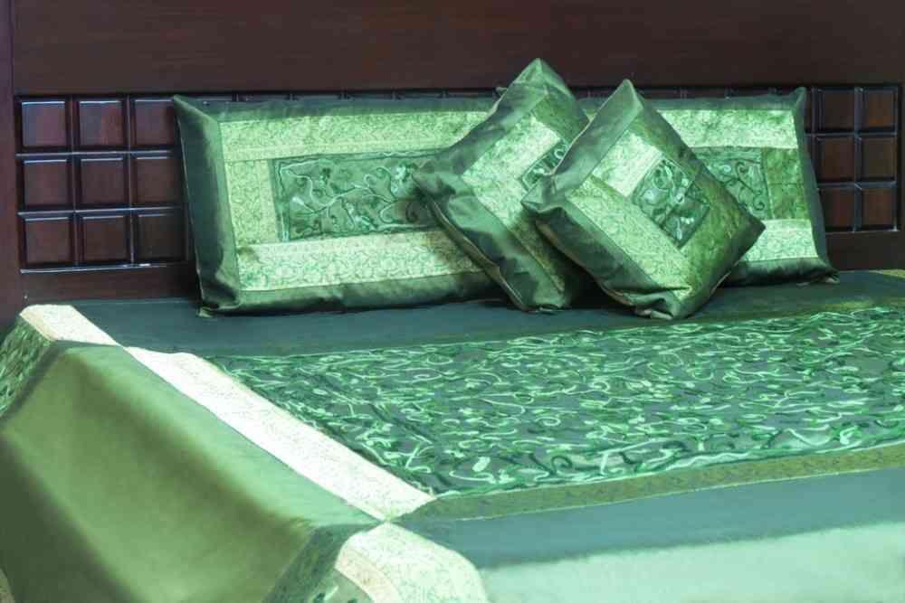 Beautiful Green 5 Piece Silk Bedcover Set
