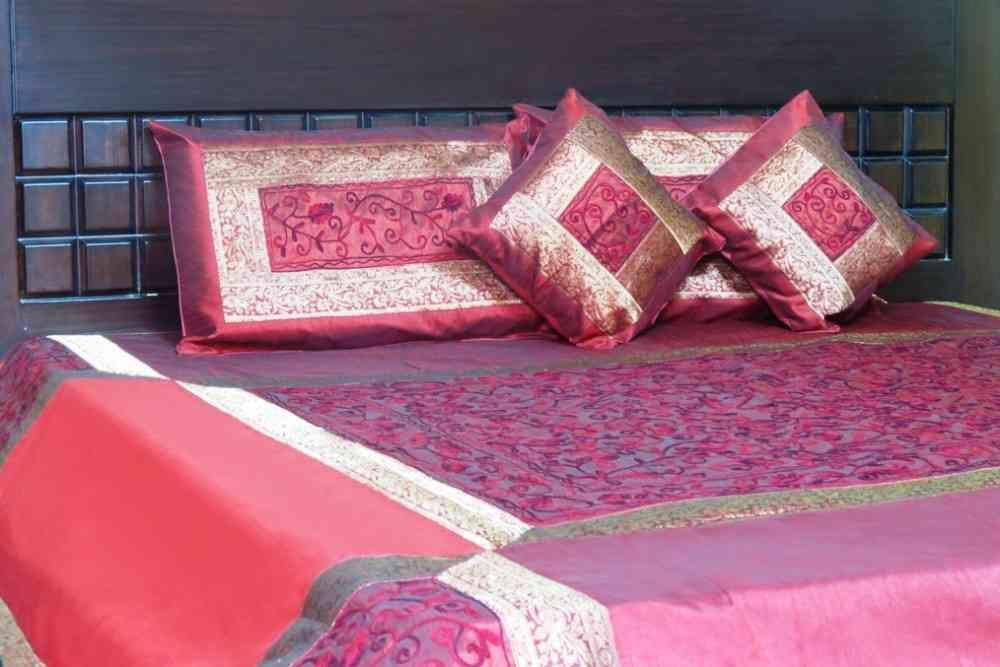 Embroidered Maroon 5 Piece Silk Bedcover Set