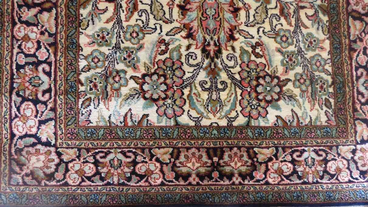 Floral Design Persian Silk Rugs