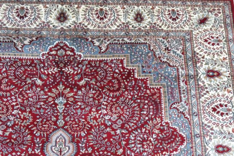 Antique Red Cream Hand Knotted Wool Rugs