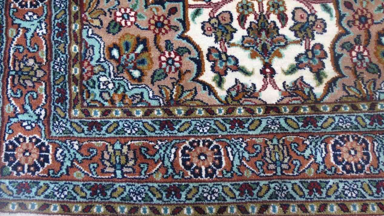 Kashmir Pure Silk Rug From India