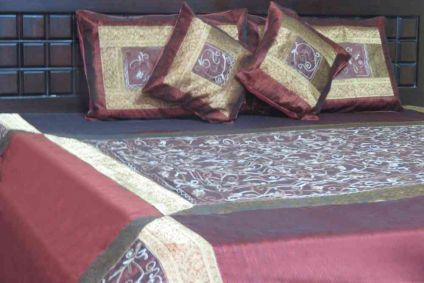 BEAUTIFUL EMBROIDERED BROWN 5 PIECE SILK BEDSPREAD SUPPLIER INDIA