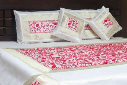 BEAUTIFUL EMBROIDERED WHITE & RED 5 PIECE SILK BEDSPREAD FROM INDIA