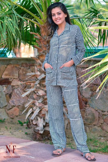 BLACK WHITE TRIANGLE MODAL NIGHT SUIT-NS63