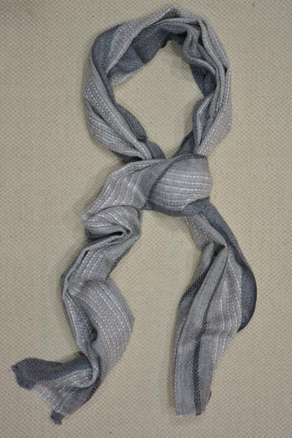 GREY AND WHITE CHECKS CASHMERE WOOL STOLE-C60