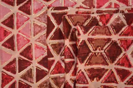 REDDISH PINK TRIANGLE GOLD PRINTED COTTON FABRIC-HF1127
