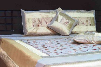EMBROIDERED SUMMER DEW 5 PIECE SILK BEDSPREAD FROM INDIA