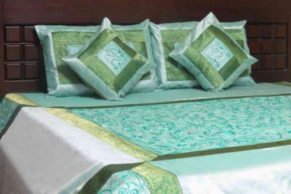 EMBROIDERED WATERFALL GREEN 5 PIECE SILK BEDCOVER SET-BB10