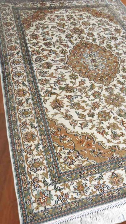 KASHMIR PURE SILK RUG CREAM PERSIAN DESIGN FROM INDIA